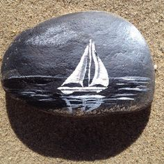 Photo from meshecreations But shades of blue? Pebble Painting, Pebble Art, Stone Painting, Stone Crafts, Rock Crafts, Painted Rocks Craft, Painted Stones, Rock Flowers, Rock And Pebbles