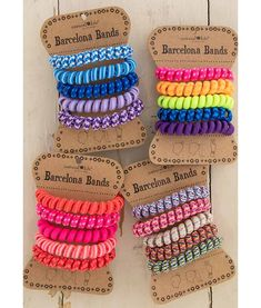 This Natural Life Barcelona Bands features Set of 5 stretchy hair bands Shop Now! Beachy Bracelets, Neon Bracelets, Vintage Fashion 1950s, Vintage Hats, Victorian Fashion, Teen Swag Outfits, Chevron Friendship Bracelets, Rainbow Loom Bands, Accesorios Casual