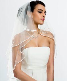 Bianco évento - Accessoires - Dismoioui :: Robes de mariées à Namur
