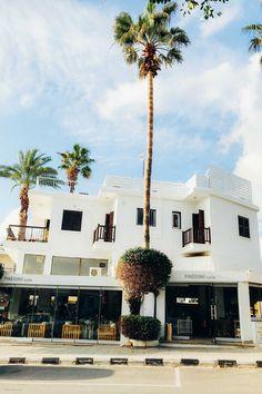 Перезагрузка на Кипре: город Пафос и окрестности   Living in Travels Mansions, House Styles, Travel, Mood, Home Decor, Art, Art Background, Viajes, Decoration Home