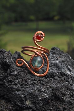 Hammered copper ring with glass bead and Carnelian semiprecious stone made by Macramilia Creations Copper Rings, Hammered Copper, Carnelian, Glass Beads, Stone, Rocks, 1st Birthdays, Rock, Stones