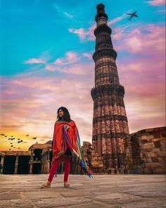 Beautiful Portrait at Qutub Minar, Delhi Indian Photography, Photography Poses, Travel Photography, Travel Pictures, Travel Photos, Travel Pose, Temple India, India Gate, Amazing India