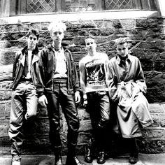 80s Music, Film Music Books, Rock Music, 80s Goth, Punk Goth, Goth Bands, Sing Me To Sleep, Siouxsie & The Banshees, New Romantics