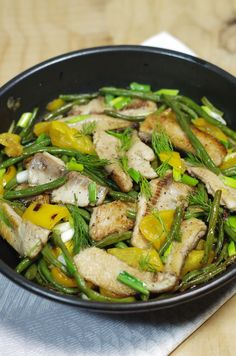 stir fried kipper with peppers and green beans