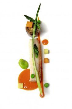 Petit porc croustillant pour se mettre l'eau à la bouche ! ;) (From Pinterest) > Photo à aimer et à partager ! ;) . L'art de dresser et présenter une assiette comme un chef... http://www.facebook.com/VisionsGourmandes