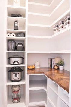 Our DIY Custom Walk-In Pantry Progress and Reveal! Pantry Shelving, Pantry Storage, Fridge Organization, Organization Ideas, Shelving Ideas, Shelf Ideas, Pantry Diy, Organized Pantry, Kitchen Storage