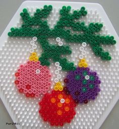 Christmas ornament hama perler by Les Loisirs de Pat