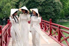 【エロ画像】アオザイとかいうスケスケ民族衣装がエロすぎる件wwwwwの画像その28