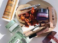 L'Oréal Paris Bag Январь 2018.   Всем привет! Продолжаю показывать наполнение коробочек сегодня на очередиL'Oréal Paris Bag)  Гель-крем для бровей PARADISE POMADE EXTATIC  Гель-крем для бровей Paradise Pomade Extatic от L'OREAL - проверенное решение для создания эффектного макияжа. Средство известного косметического бренда поможет нанести завершающие штрихи которые придадут законченность любому образу. Мягкая кремовая текстура геля обладает высокой стойкостью сохраняющейся в течение 24…