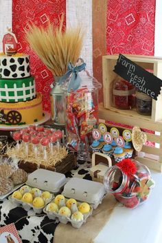 Julia's First Birthday Party | CatchMyParty.com