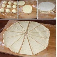 caldo e asciutto. Mini Desserts, Sweet Desserts, My Favorite Food, Favorite Recipes, Cake Decorating Piping, Pan Dulce, Italian Cookies, Food Humor, Creative Food