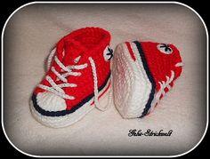 Babyschuhe Turnschuhe rot/dunkelblau 10,5 cm  von Gelis-Strickwelt auf DaWanda.com