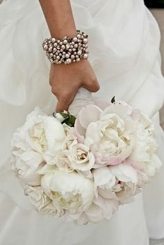 ♡I would replace the rose cluster in the orchid cascading bouquet with this one.