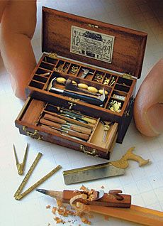 Wee Tool Chest Tiny tool set for my teeny tiny house.Tiny tool set for my teeny tiny house. Miniature Crafts, Miniature Dolls, Miniature Houses, Miniature Tutorials, Fine Woodworking, Woodworking Projects, Wood Projects, Woodworking Bench, Woodworking Classes