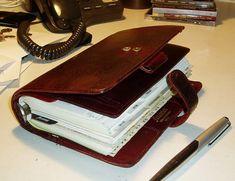 Cool Notebooks, Journals, Filofax Malden, Day Runner, Galaxy Smartphone, Foxy Fix, Wallet Pattern, Planner Organization, Travelers Notebook