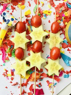 Lucky Food, Kids New Years Eve, Finger Foods, Healthy Recipes, Healthy Food, Food And Drink, Keto, Cake, Party
