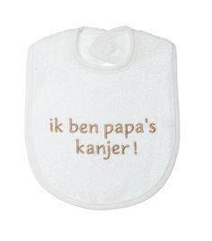 Petit villain Ik ben papa´s kanjer slabber  Voor meer leuke babykleding  en spulletjes van het merk petit villain ga naar  www.hiverstore.com