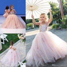 Encuentra el mejor pink espagueti muchachas de flor vestidos para la boda hecho a mano flor apliques de chicas vestidos del desfile de cumpleaños vestido de bola del bautizo vestidos, a precio al por mayor del proveedor vestidos de las muchachas de flor chino - manweisi en es.dhgate.com.