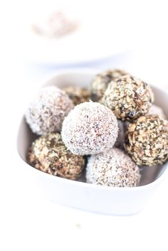 salted caramel protein balls, (gluten/dairy/refined sugar free)