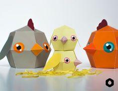 Bonjour les amies, et c'est parti pour de nouvelles petites boites pour Pâques. Elles sont magnifiques et super rigolotes. Il suffit de les imprimer, de les découper, de les monter, de mettre des petits oeufs de pâques en chocolat dedans et enfin de les refermer et de les coller. Admirez votre travail ! Les petits …