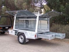 Tradesman Trailers | A trailer with optimal carrying & storage areas Bug Out Trailer, Work Trailer, Kayak Trailer, Off Road Camper Trailer, Trailer Diy, Trailer Plans, Trailer Build, Utility Trailer, Camper Trailers