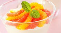 Honigschaum auf Orangensalat