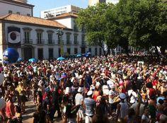 O Boitatá promete fazer um grande Baile Multicultural neste domingo. A festa começou com a participação do bloco Sassaricando e o público já lota a Praça do Paço.