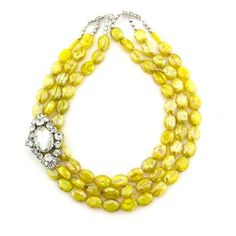 I would love to make something like this. #necklace #jewelry #yellow