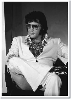 Elvis Presley : September 4, 1972 : A previously unseen photo featured in the Boxcar book, Aloha Via Satellite.