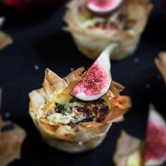 Minipajer med fikon och fetaost Xmas 2015, Simply Recipes, Simply Food, Swedish Recipes, Mini Pies, Finger Foods, Sour Cream, Salad Recipes, Cabbage