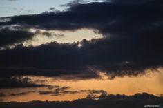 #Photocoelum: Estrema Falce di Luna Calante di Giuseppe Petricca.  Naturalmente tutto il cielo era sgombro da nubi, eccetto l'orizzonte orientale… tuttavia insistendo nell'osservazione eccola spuntare da dietro una nuvola, splendida! Una volta osservata con la digitale e teleobiettivo, sono riuscito a percepirla anche ad occhio nudo e la vista è stata decisamente affascinante... continua al link con tutti i dettagli di ripresa!  #astrofotografia #astronomia