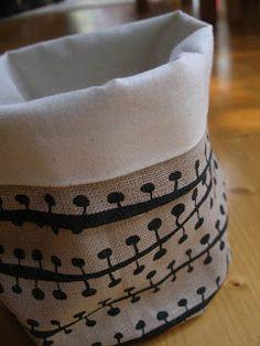 Fabric bucket tutorial- I need so many of these