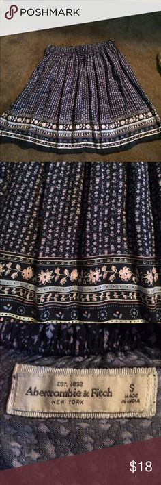 Abercrombie & Fitch floral skirt Size small never worn Abercrombie & Fitch Skirts