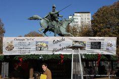Il #mercatino di #Natale #francese in piazza Solferino. A #Torino tutti i giorni, dal 9 al 24 novembre 2013, dalle 10.00 alle 19.30.