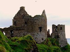 Dunluce castle - Stronghold of the MacDonalds (Ireland)