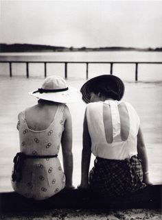 flowersforbones:    Two Women,c.1930 by Yva