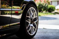 Descargar imagen gratis de una rueda y llanta de coche en alta resolución y de dominio público > http://imagenesgratis.eu/imagen-gratis-de-una-rueda-y-llanta-de-coche/