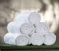 The best bath towels that you should use are white bath towels. This towel has clean and refreshing feeling so you could use it for any theme that you have