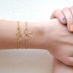 DIY– Your Name Bracelet  Neat site full of craft ideas- craftgawker  addictive so beware