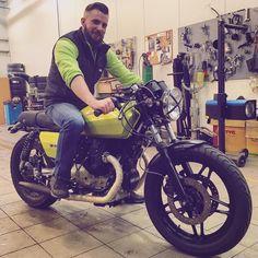 Gonna look like this 👍🏻😉#caferacersofinstagram #classicmotorcycle #vintagemotorcycle #verdelegnano #v65 #motoguzzi #motorcycle #caferacer #beard #beardbro #beardoil #beardbalm #beardstyle #hairstyle #beardsofinstagram #szakallasember #szakáll