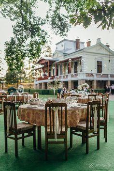 Wedding Locations, Romania, Weddings, Table Decorations, Furniture, Home Decor, Decoration Home, Room Decor, Wedding