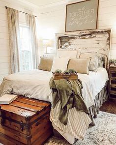 Are you looking for pictures for farmhouse bedroom? Browse around this site for amazing farmhouse bedroom ideas. This particular farmhouse bedroom ideas seems absolutely terrific. Stylish Bedroom, Cozy Bedroom, Bedroom Sets, Bedroom Apartment, Modern Bedroom, Bedrooms, Bedroom Layouts, Master Bedroom, Bedroom Styles