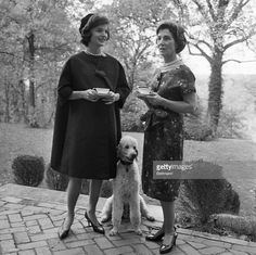 Jackie Kennedy with her mother discussing the fab time they had at the Poodle Peace Parade. Mr Poodle is a cousin to my sweet boy, Hermoso. Jacqueline Kennedy Onassis, Jackie Kennedy, Les Kennedy, Jaqueline Kennedy, Jackie O's, Dog Life, Lee Radziwill, Famous People, Lady