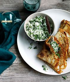 Dosai with coconut, ginger and green chilli chutney