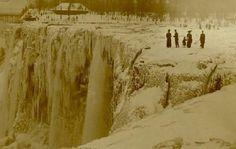 Niagra Falls completely frozen in 1911
