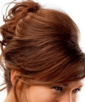 Legere und doch festliche Hochsteckfrisur für lange Haare