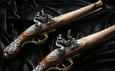 Repliki broni dekoracyjne