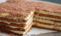Osvojiće vas aroma kafe i hrskava tekstura ove jednostavne torte. Rich Tea Biscuits, British Biscuits, Food Cakes, Cupcake Cakes, Cupcakes, Jednostavne Torte, Marie Biscuit Cake, Marie Biscuits, Balkan Food