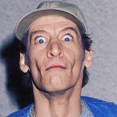 """Jim Varney (born June 15, 1949) is a comedian from America. He is famous for acting as Ernest P. Worrell in commercials and Disney movies.  Jim Varney Biography  A winning American stage, TV and film actor was James Albert Varney Jr., a """"daytime Emmy Winner."""" His signing role as Ernest P was best …  Jim Varney Biography, Wiki, Height, Age, Girlfriend & More Read More »"""