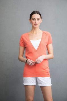 Tunic style v neck cashmere sweater in apricot